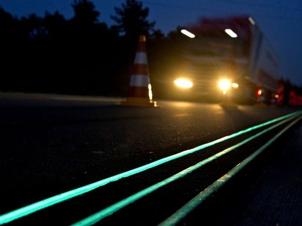 Road Line Marking Paint All Glo Powerless Illumination